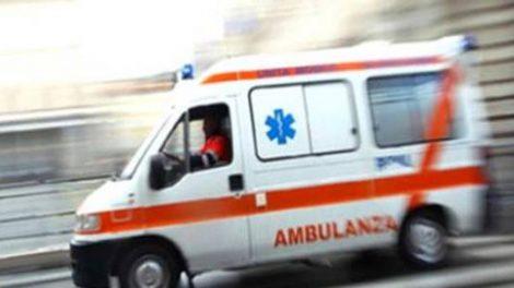 Tragedia sull'A19, auto invade carreggiata opposta, donna perde la vita nello scontro con un tir - https://t.co/jh9LLzsLXn #blogsicilianotizie