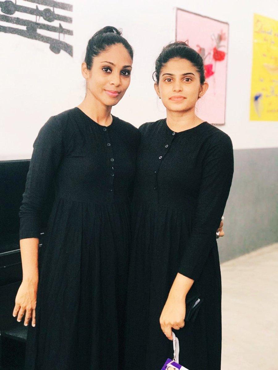 School  With my dancing partner #eshi  Good night  <br>http://pic.twitter.com/8CfyjqA43P