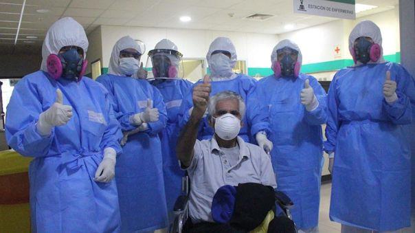 """Vuelvo a vivir a los 65 años"": Estibador venció al coronavirus tras un mes hospitalizado https://t.co/0bjOelEneL #Minsa #MinisteriodeSalud #Coronavirus #COVID19 https://t.co/lQ7xZfeIw2"