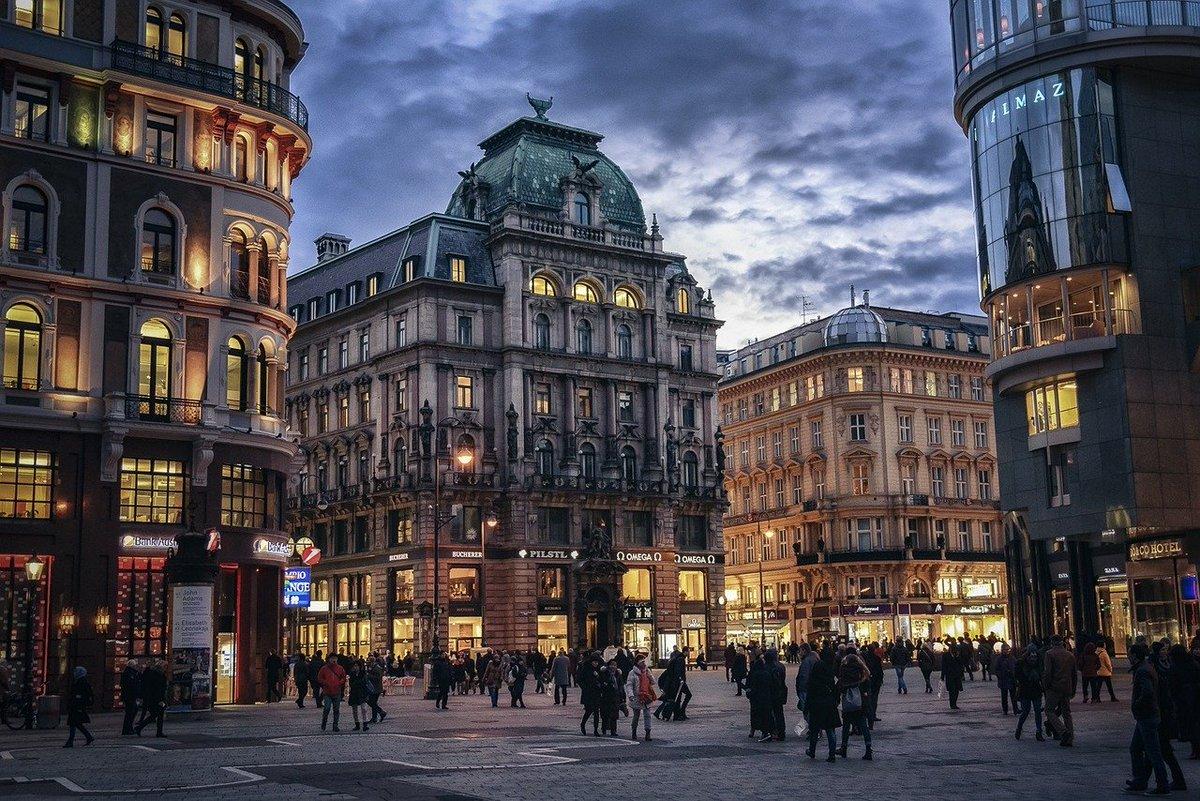 Casinos Austria to implement major restructuring plan https://t.co/oNwQZRbxtJ https://t.co/4lKs93Q89z
