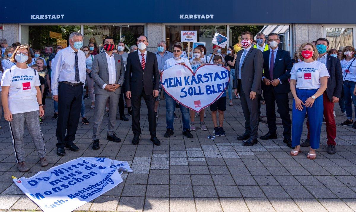 Kundgebung zur Sicherung des Standorts #GaleriaKarstadtKaufhof in #Langwasser/#Nürnberg, 70 Arbeitsplätze. Standort #Lorenzkirche bereits gerettet, jetzt brauchen wir noch Langwasser! Intensive Gespräche laufen! #HandelinBedrängnis! https://t.co/cC1SMUhmsL