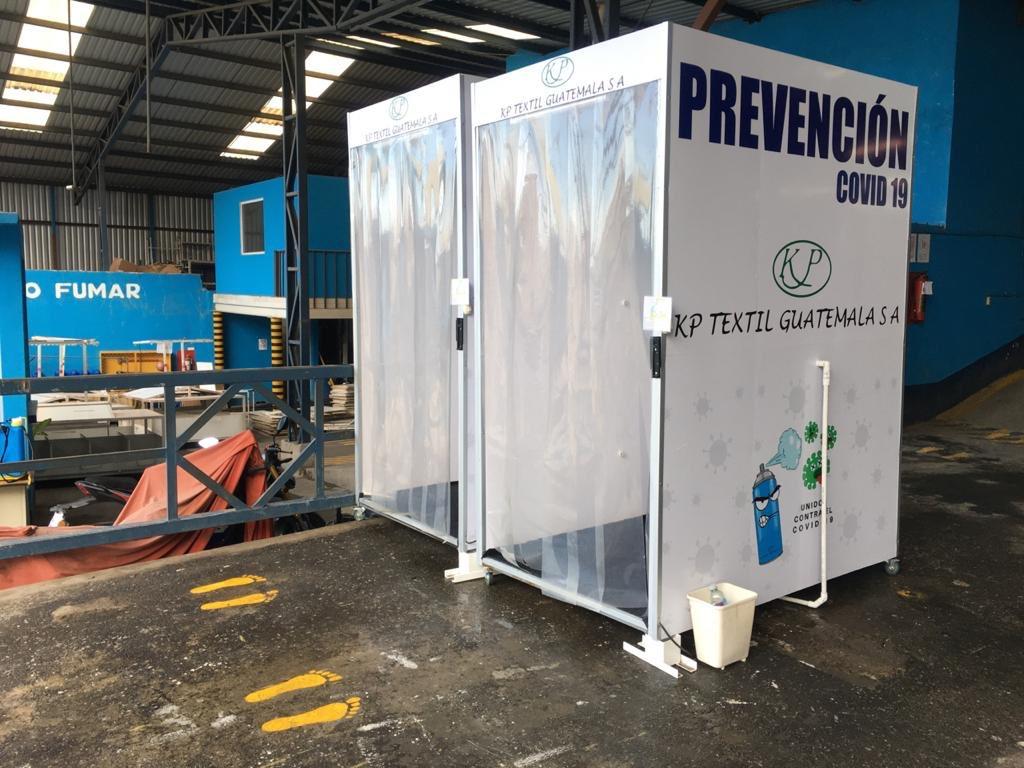 test Twitter Media - La empresa Textiles de Guatemala, ubicada en la zona 12, retoman las labores con estrictas normas de prevención para el personal luego de permanecer cerrada por contagios de COVID-19.📸: José Orozco/La Hora https://t.co/lvb3Iru86x