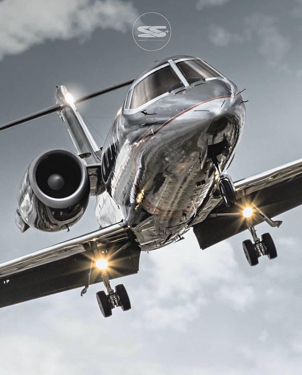 #BusinessJets @ss.aero.photography ® LJ gray approach #Bombardier #LearJet . #instagramaviation  #megaplane #BusinessAviation #FlyPrivate #PrivateJet  #CharterJet #BizJet  #Flight #Luxury #Travel #EmptyLeg https://t.co/2pTYkVQ3RK
