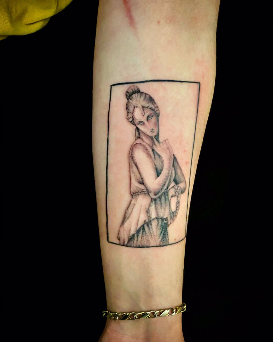 sculpture tattoo ! #rashatattoo #pentictoninked #pentictontattoostudio #pentictonartist #sculpturetattoo #whipshading #whipshadingtattoo #dotwork #dotworktattoo #afrodita #afroditatattoo #tattoosofinstagram #tattoosofig #girlytattoos #tattoosnob #tattoosocial #tattoostyle #tattoopic.twitter.com/ktcfYD0UiH