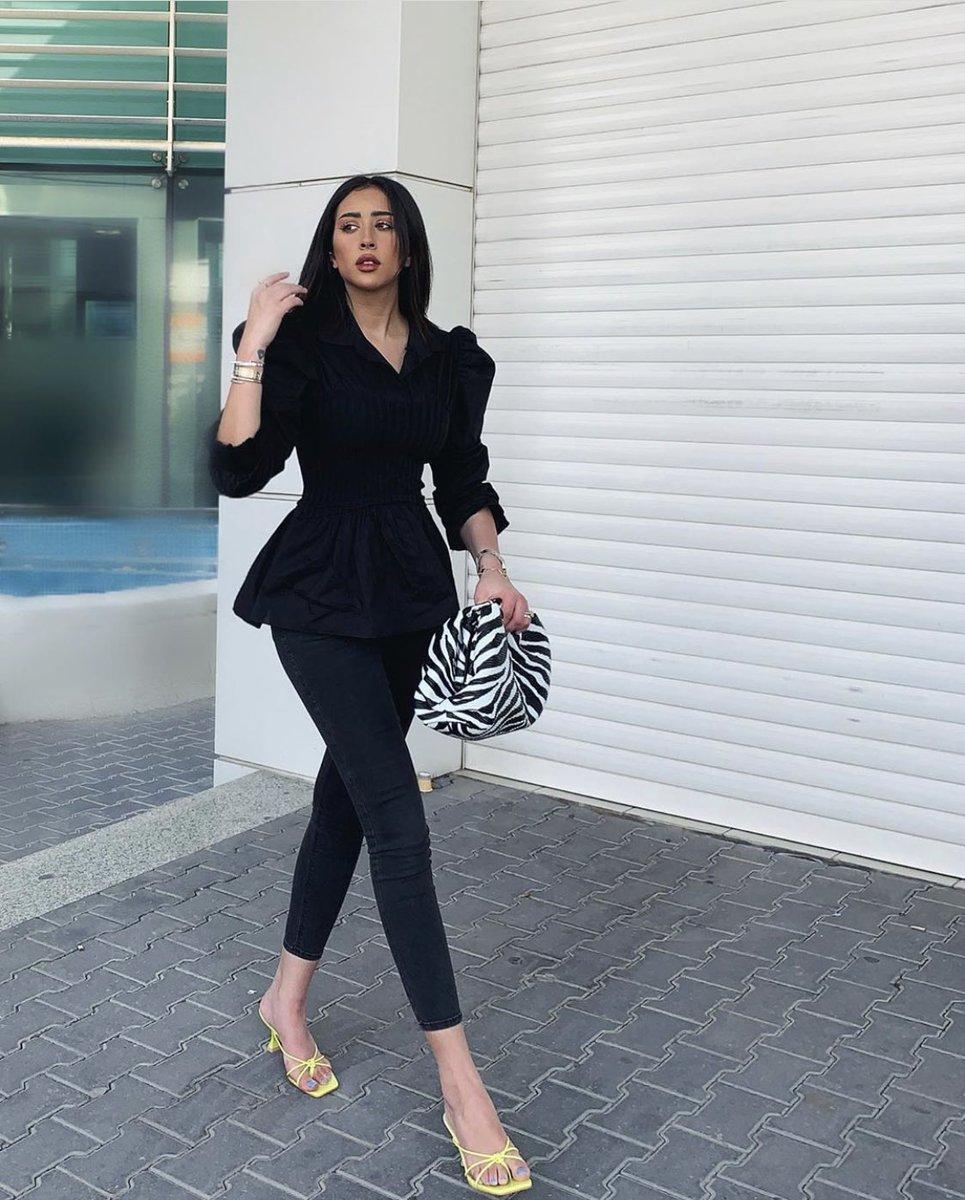 فرح الهادي وشقيقتها شوق 4