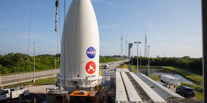 NASA's next Mars rover is attached to rocket EcgIt5AXsAA7oB8?format=jpg&name=small