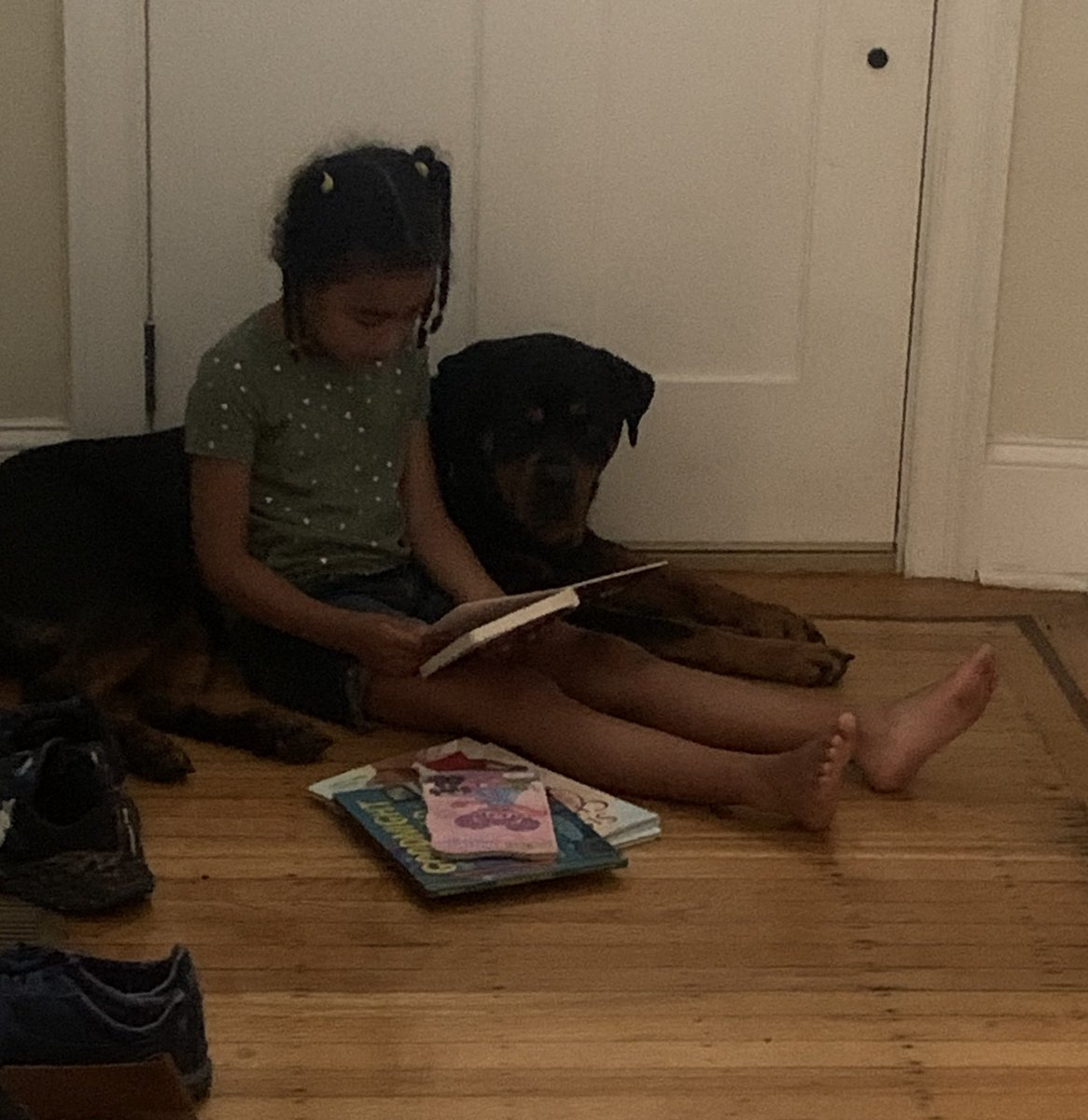 in case you need a smile, here's Simone reading to Coco: https://t.co/HZ0DXx3vei