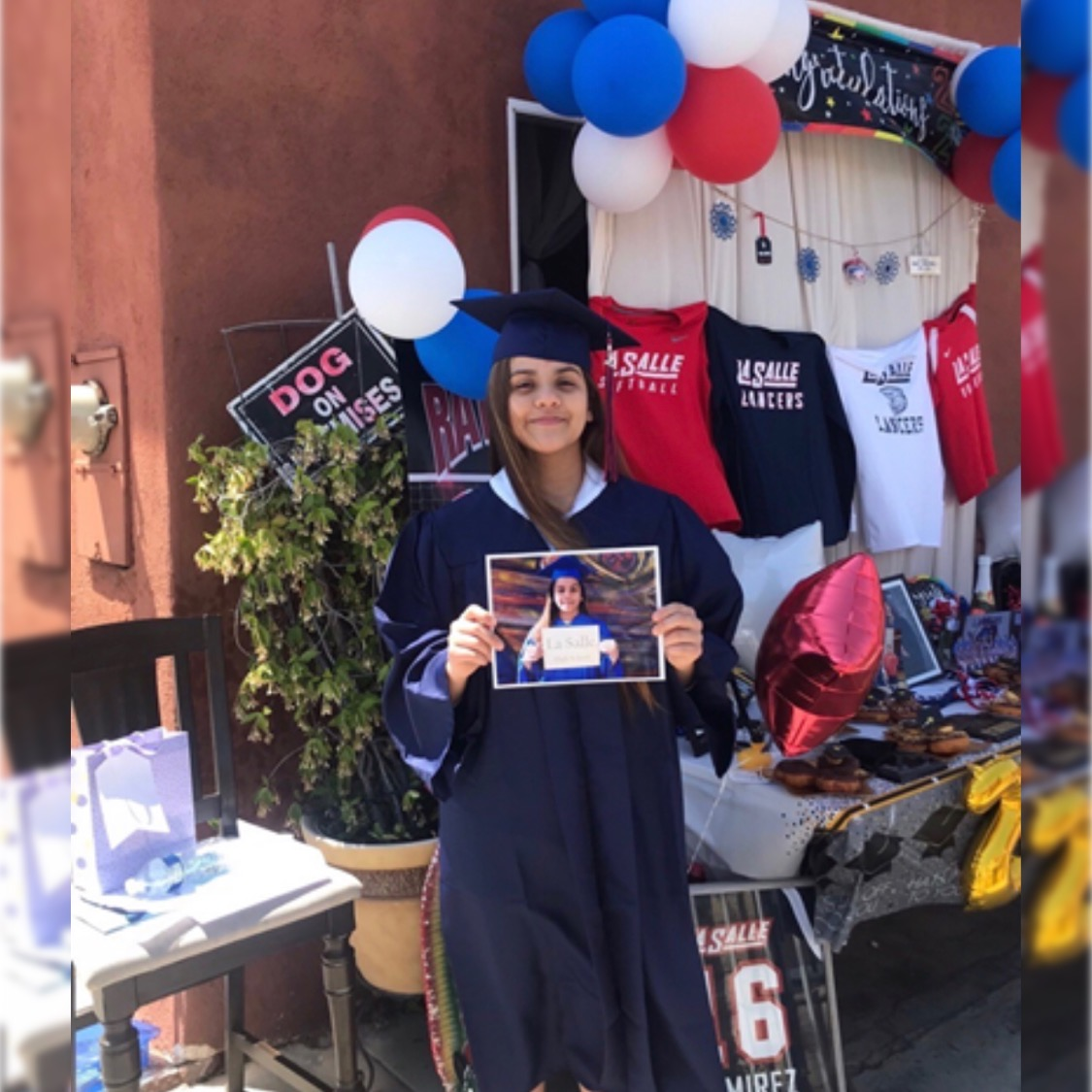 Congrats to Crystal Ramirez🌺 from our #ClassParksTeenProgram at Lincoln Heights Recreation Center 🥳👩🎓! Crystal graduated from LA Salle High School and will be attending #GCC Where she will play basketball 🏀 and volleyball 🏐 ! We're rooting for you! 😊🎊 #ParkProudLA https://t.co/sFOUchLDM5