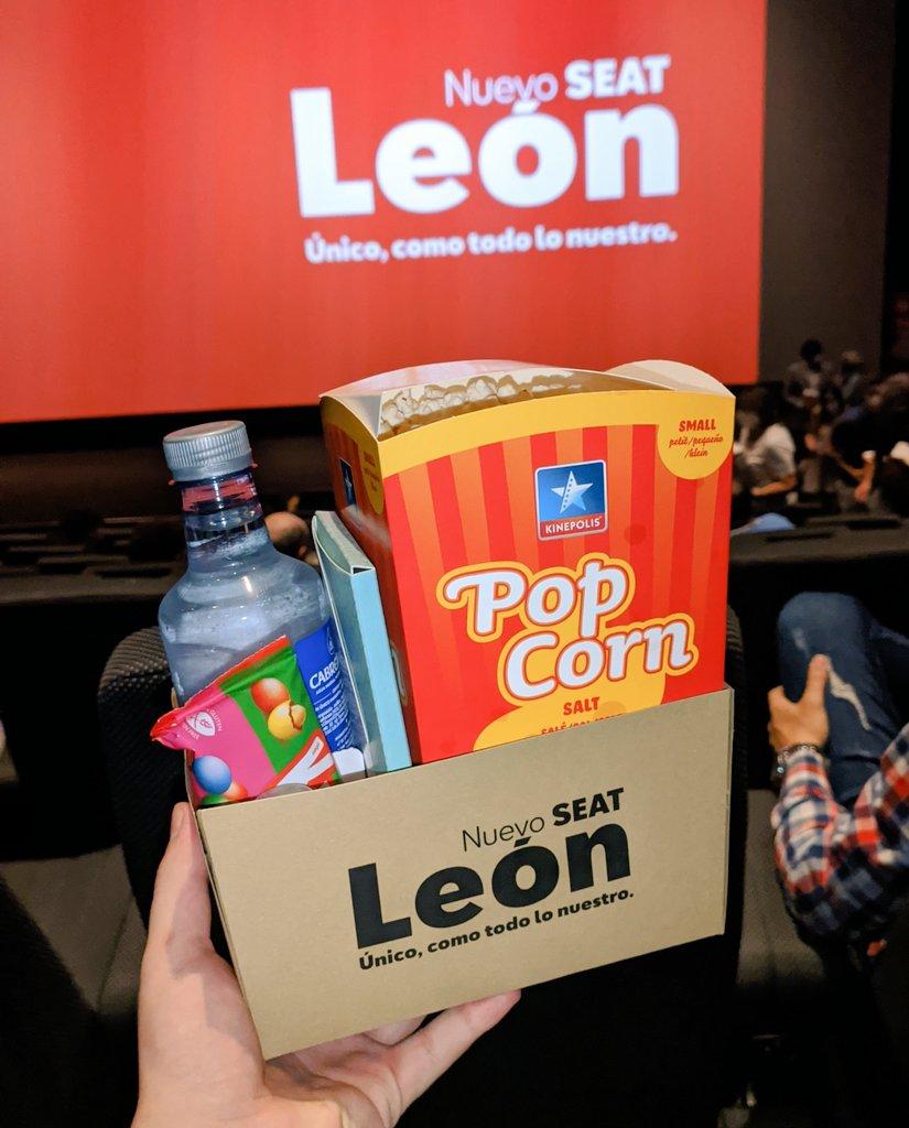 Que bien nos cuidan nuestros amigos de @vigilsa con esta presentación tan original del nuevo SEAT León pic.twitter.com/70vKwdD4bn