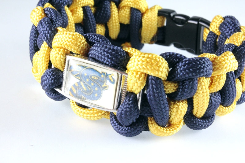 Paracord Bracelet with School Logo, Unisex, Stephenville Yellowjackets, Custom Made, Your School https://etsy.me/2siSYNT  #jetteam #emnttM #etsymnttpic.twitter.com/cDrkZIdJnr