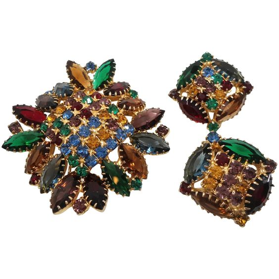 Multi Colored Glass Rhinestones Unfoiled Stones Brooch Clip On Earring Set #rubylane #vintage #jewelry #designer #hautecouture https://www.rubylane.com/item/136230-E113609/Multi-Colored-Glass-Rhinestones-Unfoiled-Stones?search=1# …pic.twitter.com/rWwDCdoMHP