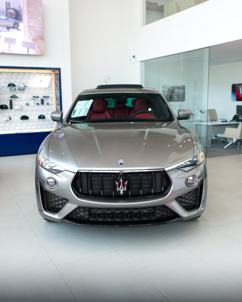 Large, gaping air intakes--a telltale sign that this Levante S Q4 bears the 'GranSport' level of configuration. Yes, it's quick. 🔱 #maserati #levante #gransport #maseratilevante #sport #florida https://t.co/IkmIEq7qf7
