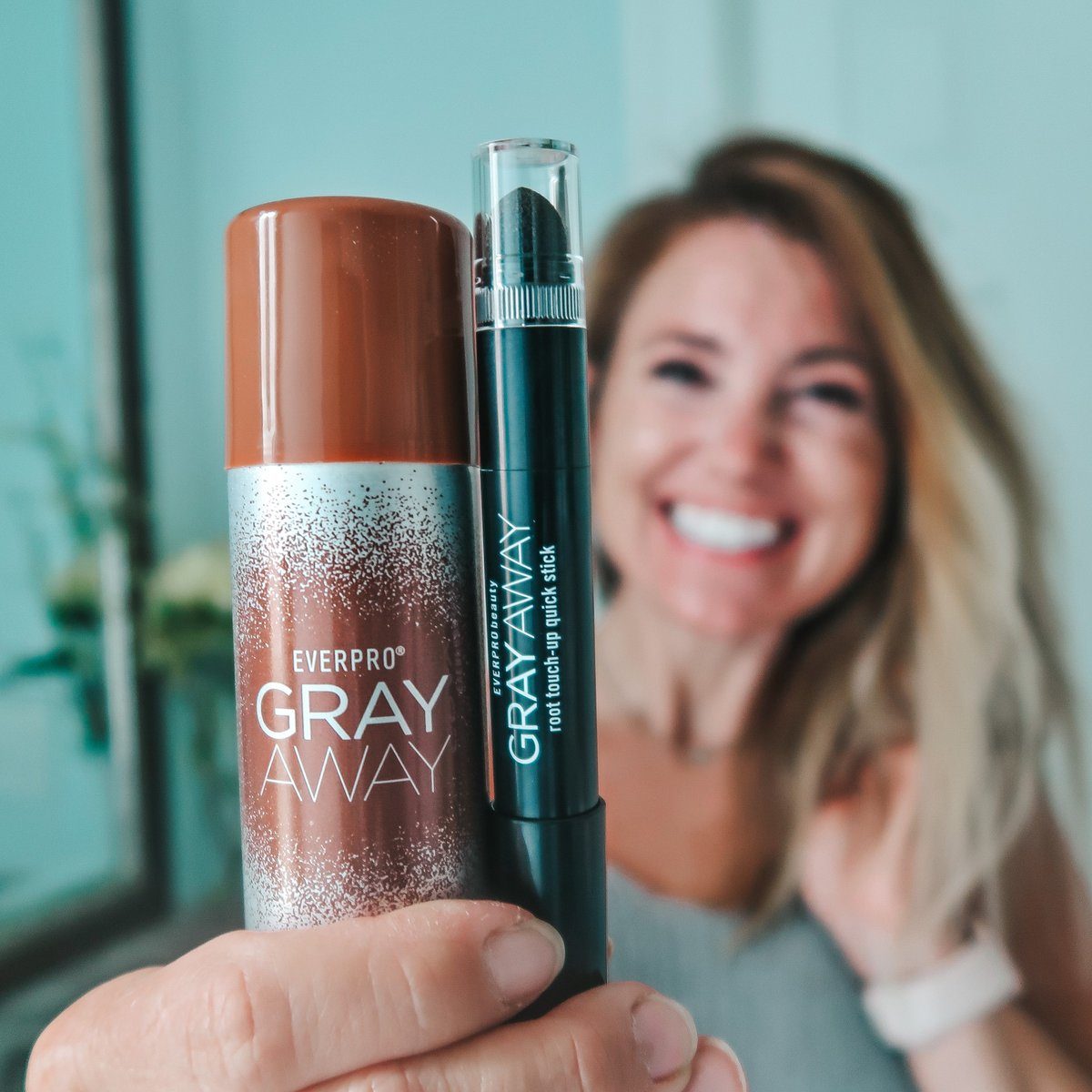 Who else has been feeling the struggle on keeping up with their hair and ALL THOSE ROOTS? #GrayAwayPartner Well, you can easily keep up with your hair maintenance during the chaos. Loving @GrayAwayEverpro products for keeping my roots in check! #GrayAway thesproutingminds.com/easy-maintenan…