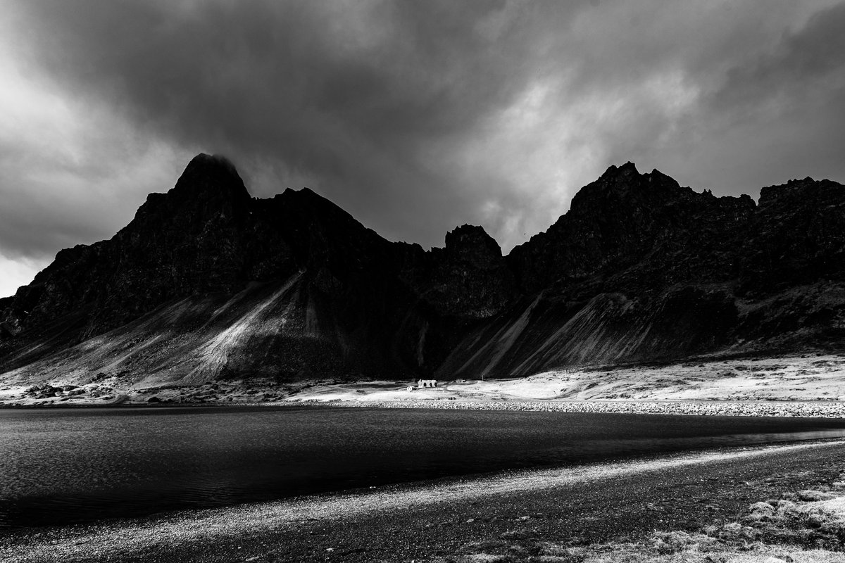The North in Black & White → Edited with my FREE Lightroom preset pack for moody landscape photography.  Download: https://adobe.ly/2URc4H0  #blackandwhitephoto #blackandwhitepic.twitter.com/aNPdOnkmsX