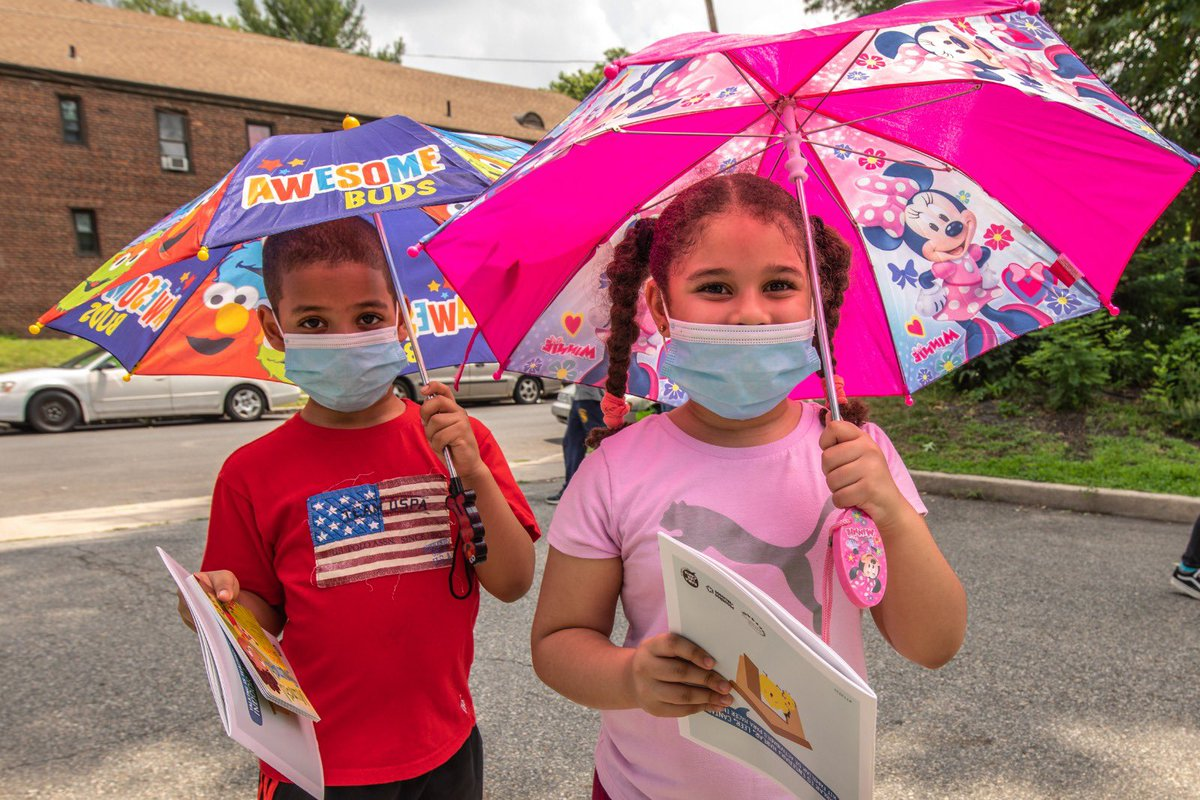 Valinessa is 8 and we met her and her brother at the WCK Farmers Market in Elizabeth, New Jersey. They were both excited to receive books to read while they waited in line. Our team told them we thought their umbrellas were really cool & a clever way to shield the hot sun! ☀️ https://t.co/U7G9nBJtQB
