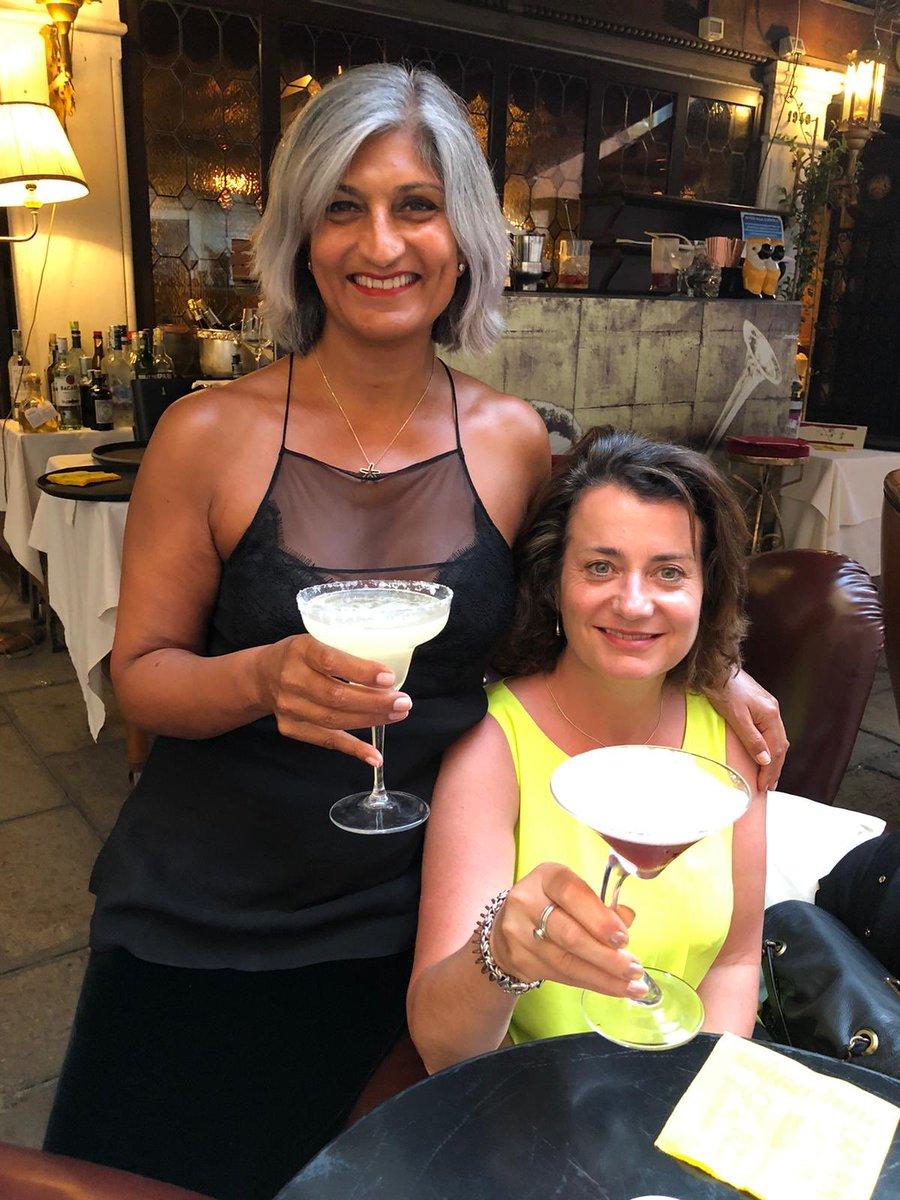 #bestie #cheers #venice https://t.co/qGOmC8o8GF