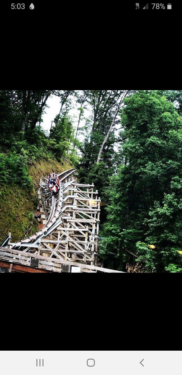 The fastest wooden coaster in the world. Lighting Rod is a hoot start to finish!  ————————————————#amusementpark #themepark #rollercoaster #roller #coasters #ohchicoasters #picoftheday #instagood #photoofthedays #followmefollowyou #smile #like4likes #like4followpic.twitter.com/cAIwv6x8RG