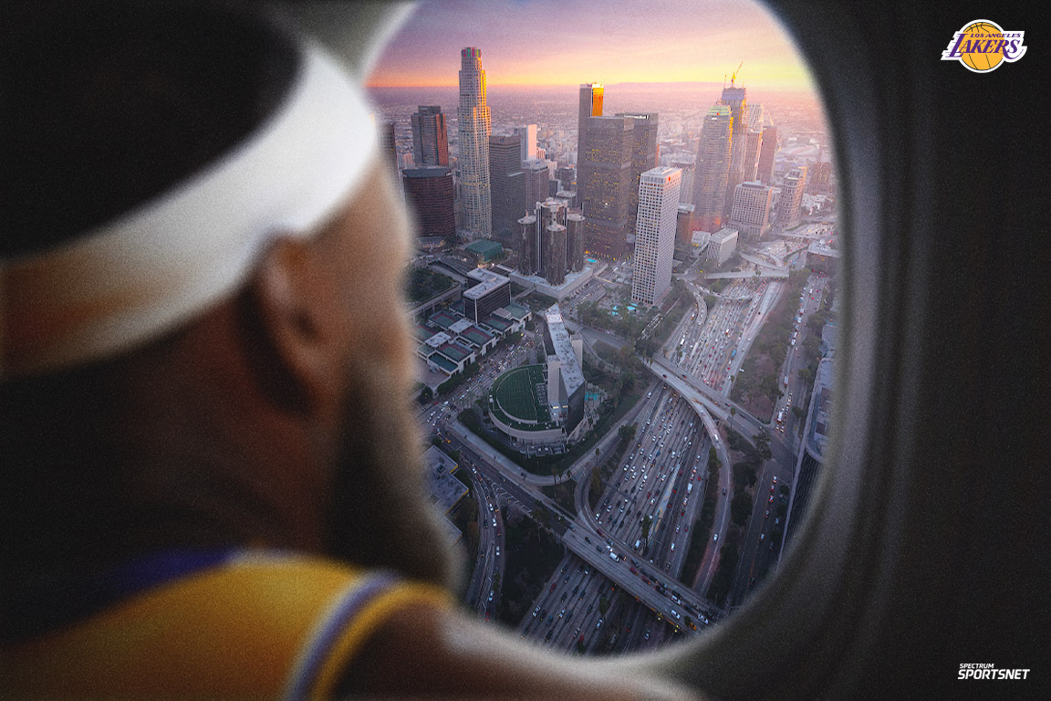 The #Lakers are officially in the air headed to Orlando.  Hoping the next time you see this view, you'll have some extra carry-on! 🏆 Go get 'em! #WholeNewGame https://t.co/a4WEqtUzPC