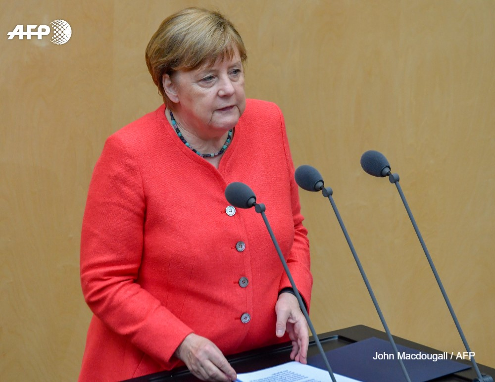 #UPDATE A man who worked in German Chancellor Angela Merkels press office is suspected of having spied for Egypt, a government report said u.afp.com/3ne6