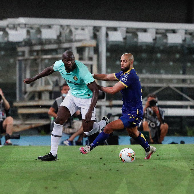 [#SerieA🇮🇹] Por la Fecha 31, #HellasVerona🇮🇹 e #Inter🇮🇹 empataron 2-2. Darko Lazovic y Miguel Veloso marcaron para el local, mientras que Antonio Candreva y Federico Dimarco en contra anotaron para los de Milán. https://t.co/BOlwX6XpN4