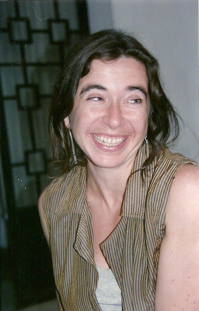 Con gran tristeza me entero que la periodista y escritora británica Jo Tuckman falleció este día. Un pequeño homenaje a esta gran mujer que se enamoró de México, con sus luces y sombras.Que le dio voz a miles.Que escribió el mejor libro de nuestra transición.Abrazos a sus hijos. https://t.co/VtwgBoam9A