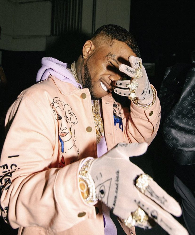Tory Lanez is releasing two new songs at midnight!