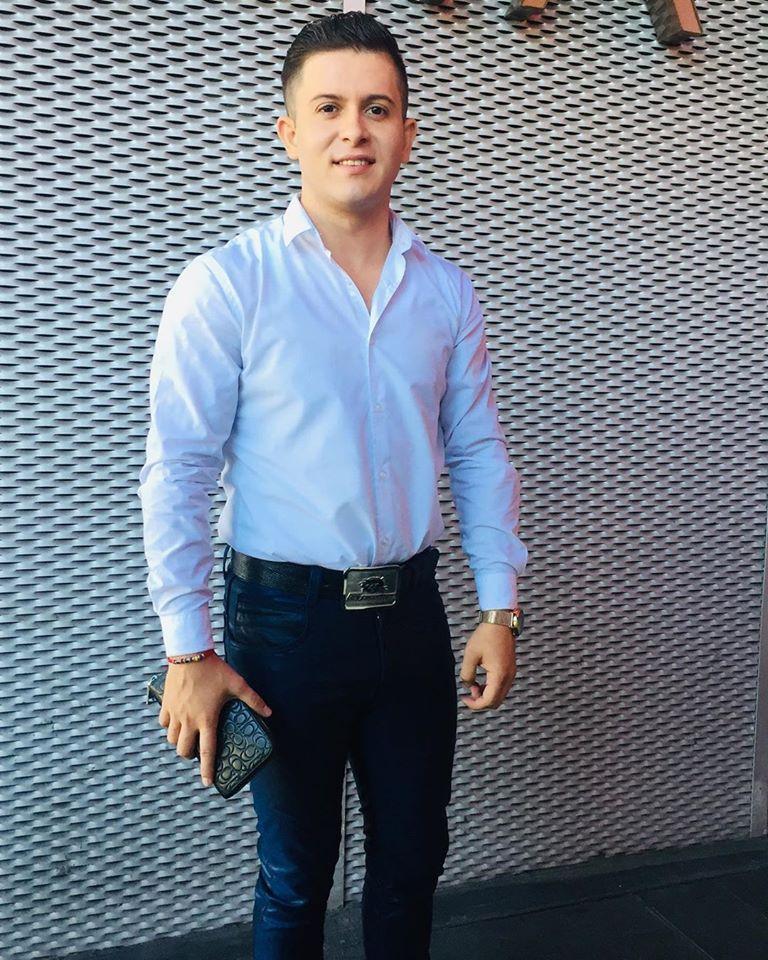 ¡Feliz cumpleaños a #EduardoLoaiza de @BANDARECODITOSS! 🎉 Lo festejamos con sus mejores fotos 👇🏻 ¿Ya lo felicitaste? https://t.co/wwUXEtJlnR