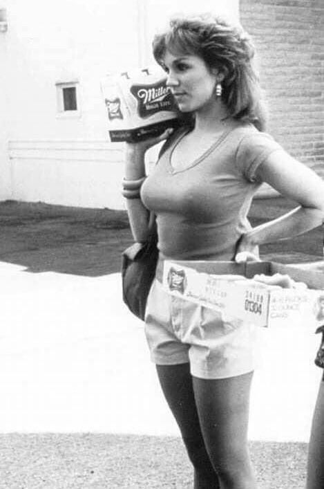 Marilu Henner 1984 #backintheday https://t.co/FdVIAD8sfC