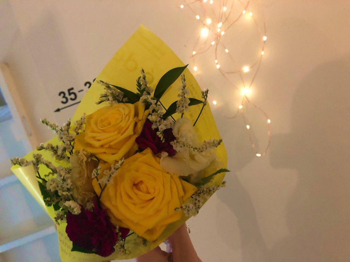 おはようございます🌞✨お花のように強く優しく美しく🌻今日も穏やかに過ごせますように😌