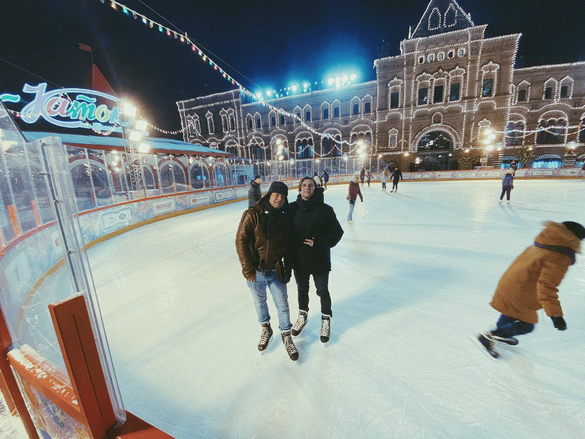 Ice skating at Red Square in Moscow, Russia with the Coach    ⁣⁣ It's funny because I told my brother I wanted to start playing ice hockey again this year. I'm gonna make it happen ⁣⁣ ⁣  #Moscow⁣⁣ #Russia⁣ #Москва ⁣ #Россия⁣ pic.twitter.com/UGPxliypty