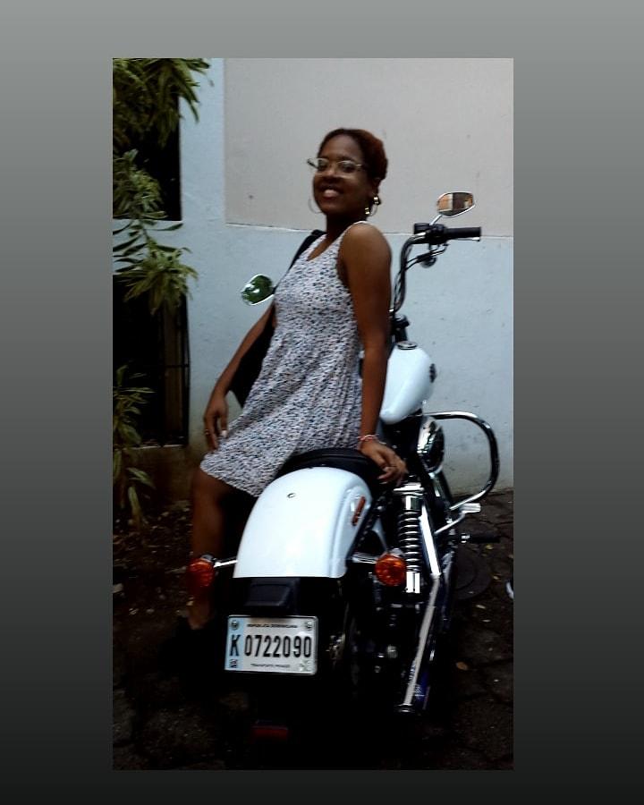 😸 🎶🎵 Mi loco y tu no sabia que Yo tenia un motorcito 🛵 que sonaba #bam #bam #bam #bam 😹 #Fariii in da' hOude woO! woO!🎶🎵 https://t.co/IgBkJpuOjF