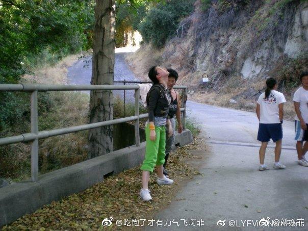 Yifei's Sina พ.ค.- ส.ค. 2563 Eci2TFfUwAQsryf?format=jpg&name=small