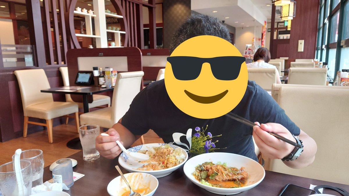 友人G「ネットで利き手と逆の手で食事をすると、噛む時間が伸びてダイエット効果があるという記事をみたので実践してる」猿「効果は?」友人G「両手で食えるようになってしまい、デフが倍速で加速している」