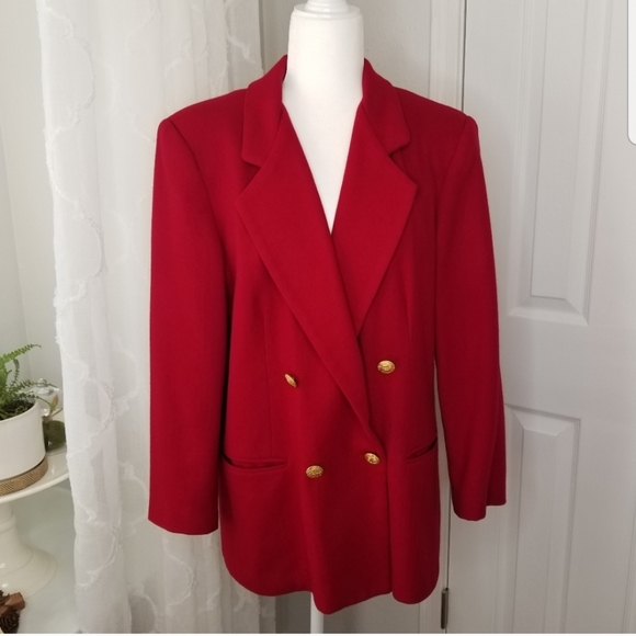 So good I had to share! Check out all the items I'm loving on @Poshmarkapp #poshmark #fashion #style #shopmycloset #savannah #francescascollections: https://t.co/IEWbbLICEu https://t.co/98Gk3BBTsK