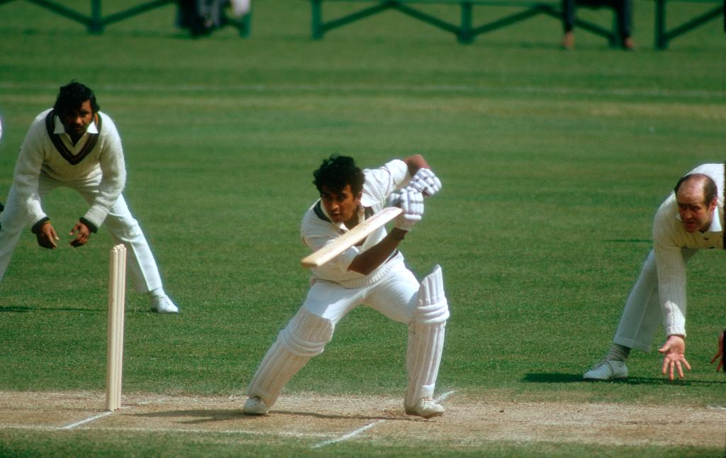 💥 First batsman to score 10,000 Test runs 💥 First batsman to score centuries in both innings of a Test thrice 💥 Held the record for most number of Test tons until 2005 💥 First India fielder to claim 100 Test catches  Happy birthday to legendary cricketer Sunil Gavaskar 🎉 https://t.co/eyMqeSf54n