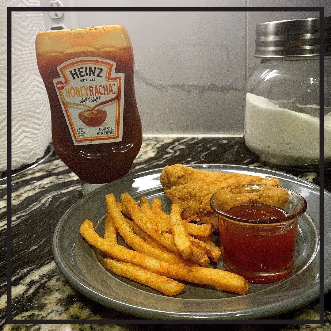 If you like ketchup but don't mind a little heat you'll love this new Heinz product honeyracha! I love it. It's a little sweet but has a little kick. It goes with fries, chicken strips! #HEINZHONEYRACHA #MIXEDBYHEINZ #heinzpartner #contest #complimentary @Influenster @heinz https://t.co/8zJGofiaVp