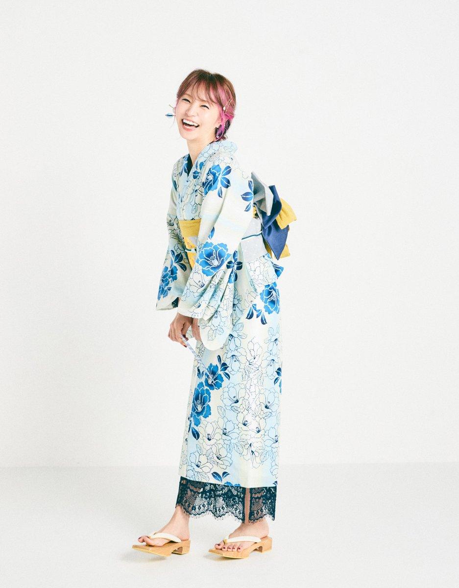 リスアニ!Vol.41(7月16日(木)発売)の「LiSAのおくすり出しておきましたっ!」は、夏の風物詩「浴衣」と「花火」をテーマに撮影した写真でお送りしますのでお楽しみに!   そして、引き続き次号のお便りはこちらで募集中♪ たなか https://t.co/f8IhN33q1I https://t.co/OxcqRKnfGf