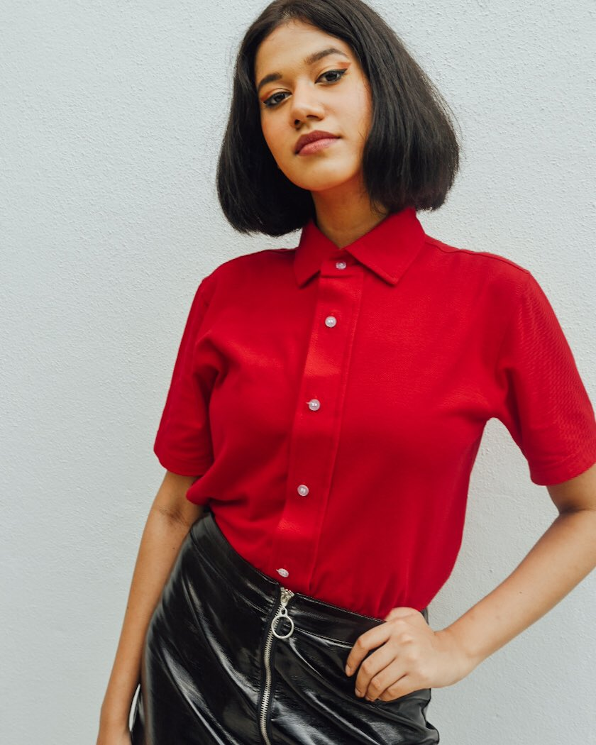 Choose the 𝙈𝙖𝙜𝙣𝙚𝙩𝙞𝙘 𝙋𝙤𝙡𝙤 𝙏𝙚𝙚 in bright RED and stand out in the crowd!  #DawnAdaptive #ButtonMeNot #Adaptiveclothing #Ethicalfashion #Proudlymalaysian #Madeinmalaysia #Shoplocal #Supportlocal #Kitajagakitapic.twitter.com/DrHK9Z6BNm