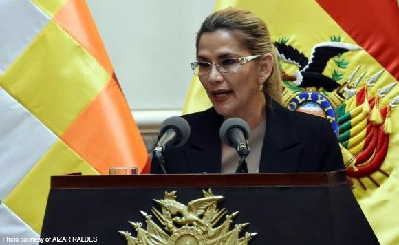 Bolivia's interim president Anez says she has coronavirus https://t.co/6Ul7qCrB8c #PolitikoGlobal #CoronaVirus  #Bolivia  @AFP https://t.co/Xe6NvUXwpR