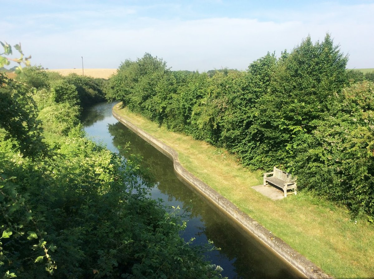 From my archives   #July #year2019  #CanalRiverTrust #GrandUnionCanal #WendoverArm #Restorations   #Canals & #Waterways can provide #Peace & #calm for your own #Wellbeing   #StayAlert #SocialDistancingpic.twitter.com/Mctk7eU1H6
