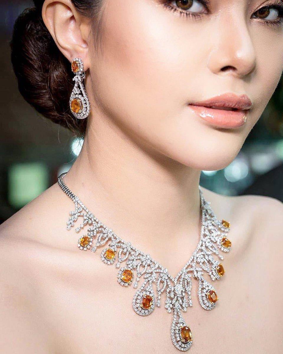 Yellow Sapphire and diamond jewelry set . #diamonds #diamondnecklaces#ruby#weddingnecklaces #luxuryjewelry #highjewelry #finejewelry #Petchchompoojewelry #เพชรชมพูจิวเวลรี่ #gold#fashionjewelry #weddingring  #weddingband #chanellover #hermeslover #lvlover #hermesthailandpic.twitter.com/qNdAlfhjvu