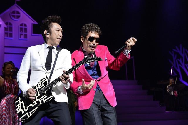 鈴木雅之の昨年ツアー全25曲のライブ映像公開、布袋寅泰や伊原六花とのコラボも披露