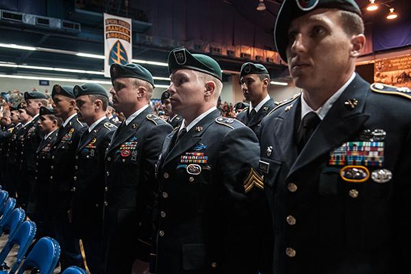【史上初】最強の特殊部隊「グリーンベレー」に女性隊員が誕生 厳しい試験を突破今後、極秘の特殊作戦に参加する可能性が高いことから、女性兵士の顔や名前は公表されていない。