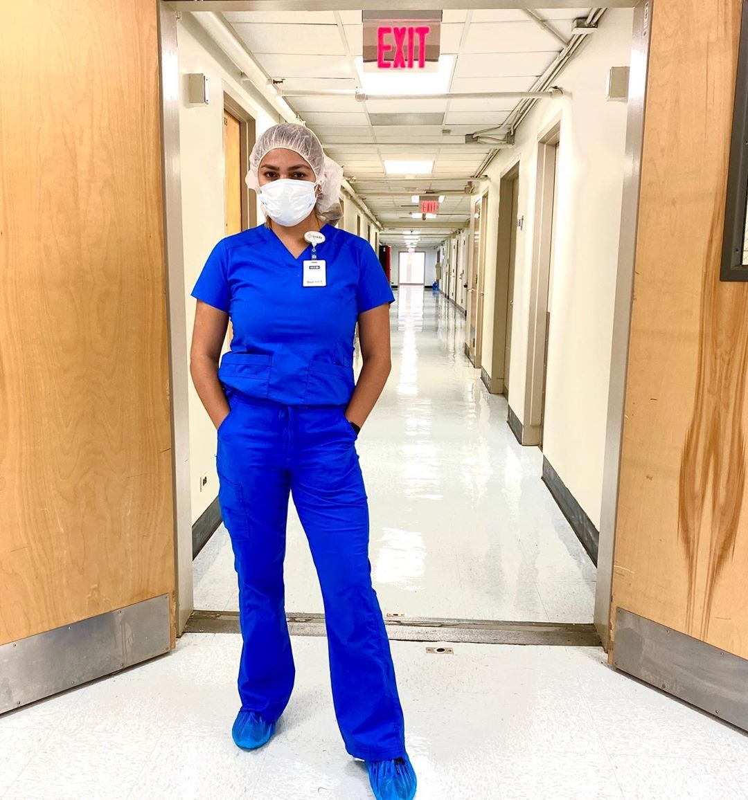 #Repost @la_latinanurse_yivonne --- Week 2 as a resident Nurse has been quite the transition. Not only because everything is different at the hospital with the pandemic, but also facing the real world as an RN is challenging. https://t.co/Qns7LiNrzX