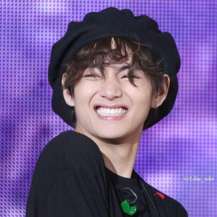 Taehyung's smile!! #TAEHYUNG #TaehyungDeservesBetter #BTSARMY #smile #socute #v #taetae #taehyungsmile https://t.co/l0IpdQaQb6