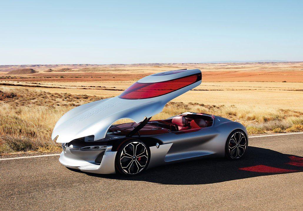 Konceptno vozilo Renault #TREZOR demonstrira našu viziju budućnosti! ⚡️  Može da prođe? 😀 https://t.co/2q7ihscfwc