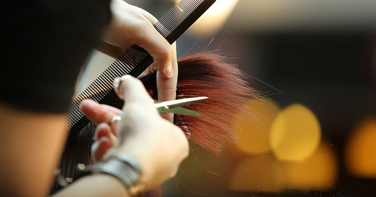 Following the easing of lockdown, hairdressers and other businesses have reopened. Victims of abuse may consider a salon a safe space to speak openly.  If you have any cause for concern for someone's welfare get in touch.  Dial 101/999 or report online at https://t.co/mfr04MyoA2 https://t.co/4o7JKzbEuR