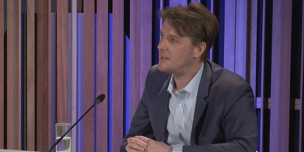 """test Twitter Media - """"Een carbon border tax is een oplossing voor de carbon leakage, maar 🇪🇺 is veel sterker in het zetten van standaarden: Producten die elders gemaakt zijn en wiens CO₂-voetafdruk niet aan onze norm voldoen, zouden niet meer binnen mogen komen."""" @TomasWyns https://t.co/QZ6Qie9Oy9 https://t.co/1qEhJpEDYT"""
