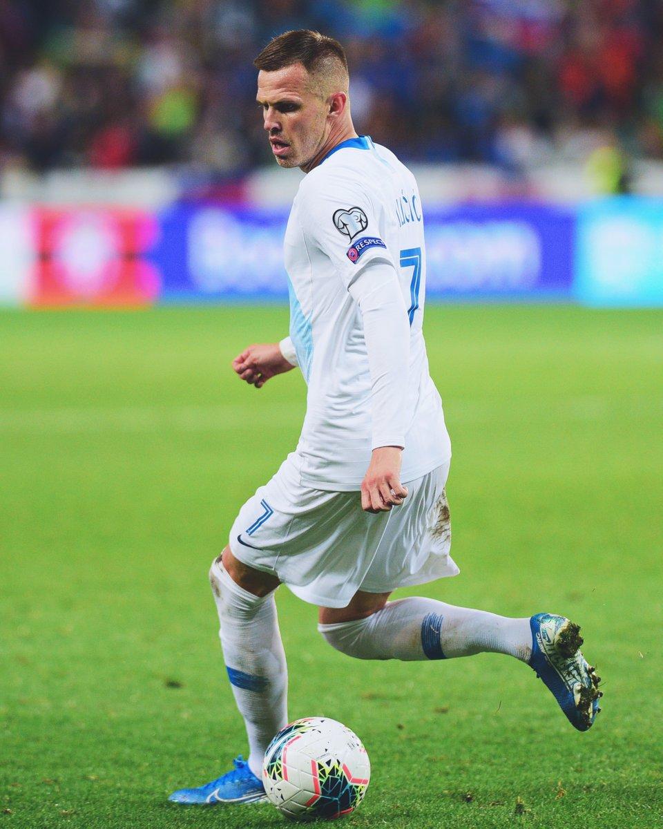 Slovenska reprezentanta sta danes dobila svoje tekmece v #UCL  Iličić se bo z @Atalanta_BC ⚫️🔵 v  četrtfinalu spopadel s PSG, Oblak pa bo z @atletienglish🔴⚪️ iskal napredovanje proti Leipzigu. #SrceBije https://t.co/njlPfZfNll