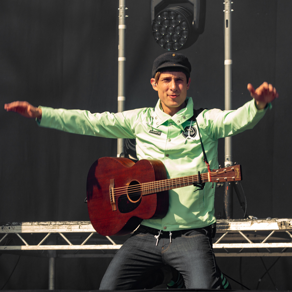 Belter of a tune! #TRNSMTTakeover - streaming now: bbc.in/3iYY2xK @GerryCinnamon | #TRNSMT